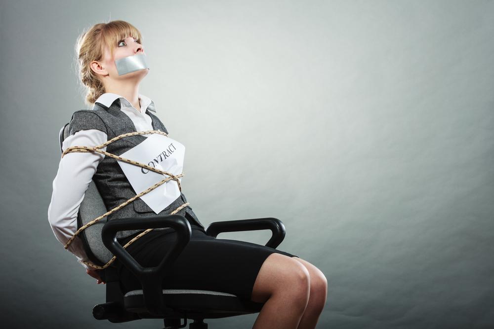 Девушку привязали к стулу картинки, толстуха в сексуальном белье на фото